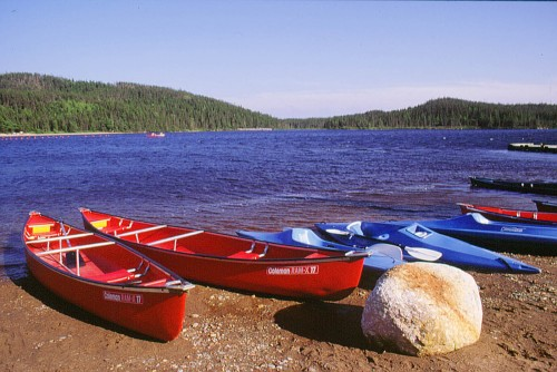 F-4-4_3-Canoes-and-kayaks